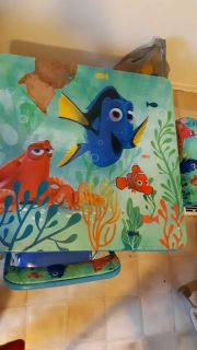 Dory table with 2 chaira