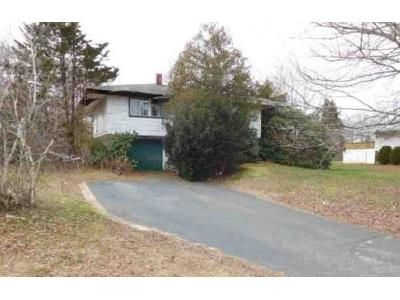 3 Bed 1.5 Bath Foreclosure Property in East Setauket, NY 11733 - Old Town Rd
