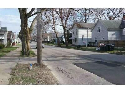 4 Bed 2 Bath Foreclosure Property in Erie, PA 16508 - -2716 Liberty St