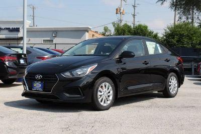 2018 Hyundai Accent SEL (Absolute Black)