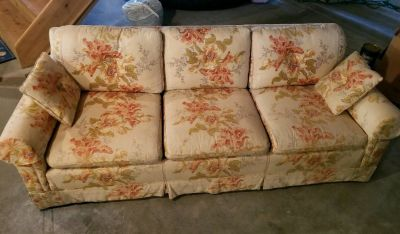FREE COUCH!! GOOD CONDITION!!