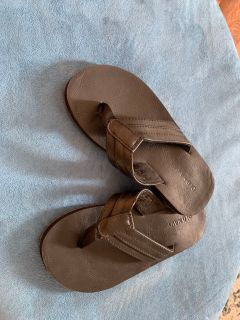 Worn once- old navy flip flops- black