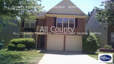 Spacious 3BR/2.5BA Alpharetta home close to Windward, Avalon and GA 400!