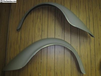 Fiberglass VW flared fenders, early rear L & R