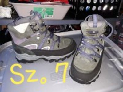 STEEL TOE/ INSULATED WORK BOOTS