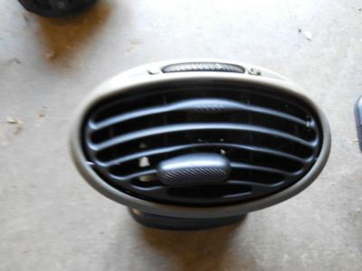 Sell 2003 FORD FOCUS IN DASH VENT REGISTER motorcycle in Maryville, Tennessee, US, for US $13.99