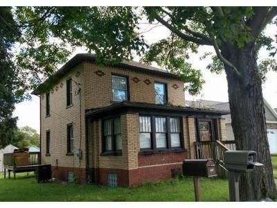 3 Bed 1.5 Bath Foreclosure Property in Ellwood City, PA 16117 - Mahony Ave