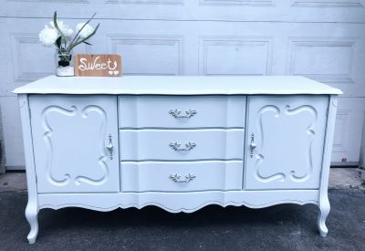 """GORGEOUS French Provincial Buffet/Tv Console/Entrance table-60""""x30""""x20""""- refinished in light grey- Solid Wood-220$"""
