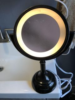 Light Up 2 Sided Magnifying Mirror