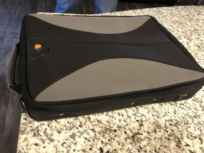 15 or less laptop case. Like new. Really nice. Don t miss out.