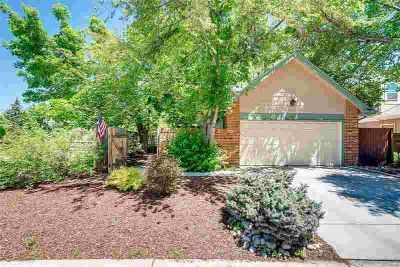 9281 West 87th Place ARVADA, This beautifully updated