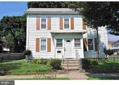 301 Broad St Florence Three BR, Looking for a home with lots of