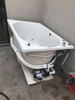 2 person jacuzzi tub