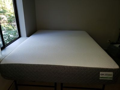 Ghostbed queen size matress