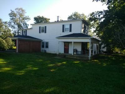 4 Bed 1.5 Bath Preforeclosure Property in New Castle, KY 40050 - Spring St