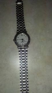 REDUCED Woman Gucci 9100L watch