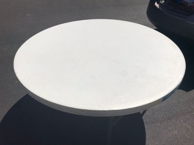 LifeTime 60 Round Durable Poly Table
