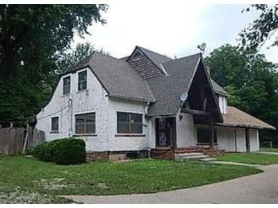 3 Bed 2 Bath Foreclosure Property in Kansas City, MO 64137 - Grandview Rd