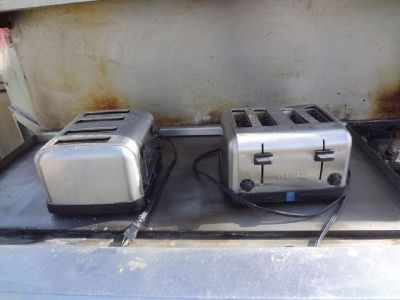 (2) Waring 4-Slice Pop-up Toasters, 78002 RTR# 9011314-16