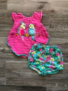 Rare Editions tropical bird outfit. Size 4T.