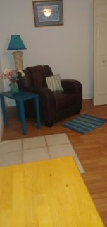 2 furnished rooms, only renting one