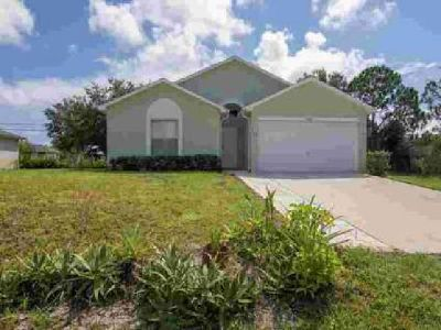 8366 98th Court Vero Beach Three BR, Charming 3/2/2 Holiday
