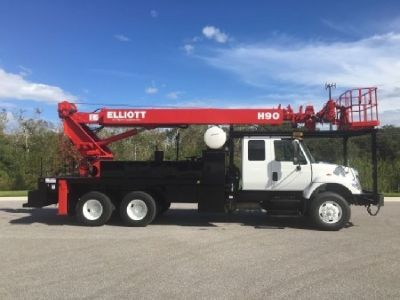 2005 Elliott H90R Sign Crane Truck For Sale  Mounted On a 2005 International 7400 Chassis
