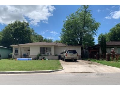 3 Bed 1 Bath Preforeclosure Property in Fort Worth, TX 76119 - Nolan St