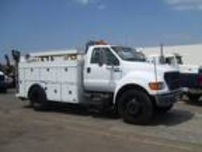 Used 2000 Ford F650 for sale.