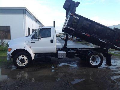 2006 Ford F-750 Dump Truck