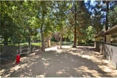 2 bedrooms Apartment in Thousand Oaks. Covered parking!