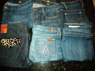 6 size 10 low rise boot cut jeans