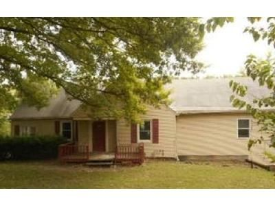 4 Bed 2 Bath Foreclosure Property in Kansas City, KS 66104 - N 60th St