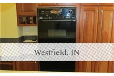 Wonderful 3 bedroom, with master on the main level Home for rent. Parking Available!