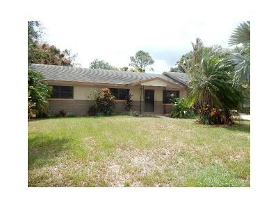 3 Bed 1.5 Bath Foreclosure Property in Winter Haven, FL 33881 - Ave H Northeast