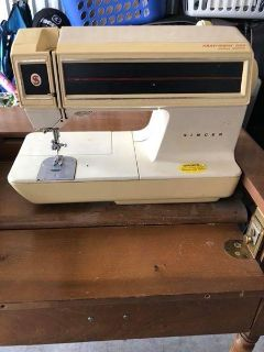 ***SINGER***TouchTronic 2001 Sewing Machine & Wooden Cabinet