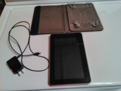 Acer Iconia 7 inch tablet with case 16 gb