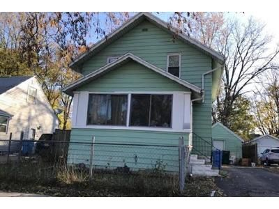 3 Bed 1 Bath Foreclosure Property in Lansing, MI 48915 - Clyde St