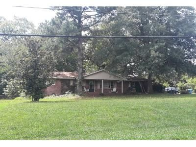 3 Bed 2.0 Bath Preforeclosure Property in Auburn, GA 30011 - Lakeview Dr