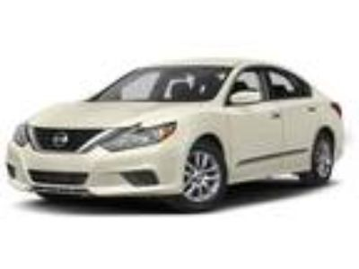 Used 2017 Nissan Altima Brilliant Silver, 41.5K miles