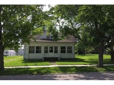 3 Bed 2 Bath Preforeclosure Property in Shelbyville, IL 62565 - N Morgan St