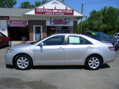 2011 Toyota Camry Base (Classic Silver Metallic)