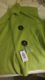 Gorgeous brand new with tags apple green sweater shawl