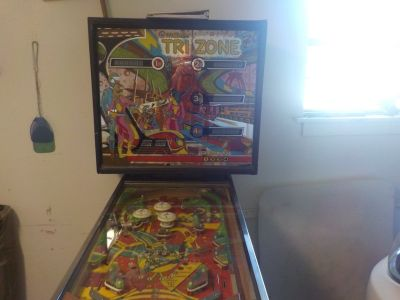 williams Tri Zone Pinball machine
