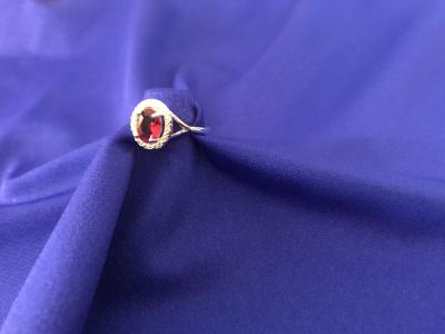 Ruby Colored Stone Surrounded by Crystal Chips & Set in 925 Sterling Silver. Size 8. New