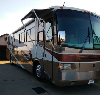 By Owner! 2000 40 ft. Holiday Rambler Imperial w/slide