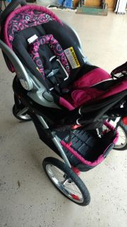 Baby trend car seat, base and stroller with bigger tires