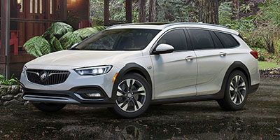 2018 Buick Regal TourX Essence AWD (Rioja Red Metallic)