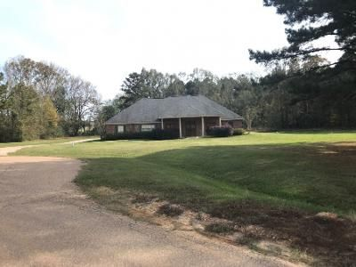 3 Bed 2 Bath Preforeclosure Property in Terry, MS 39170 - Woodsong Way