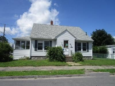 3 Bed 1.5 Bath Foreclosure Property in Manchester, NH 03103 - Hall St